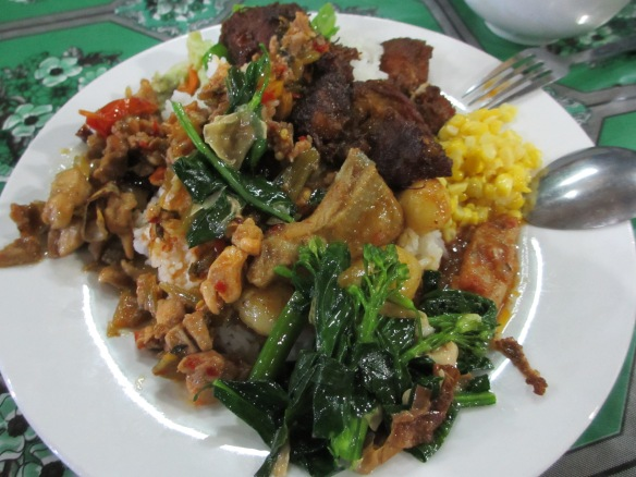 A mountain of Burmese faves - Don't judge me for the piled plate, it was our last night in Burma!